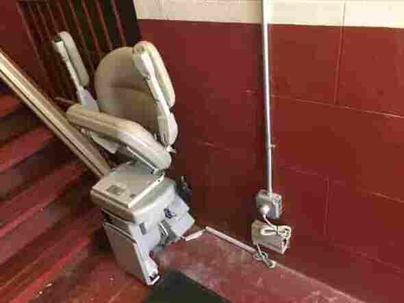 apartment building stairlift in nyc
